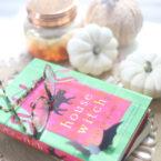 Dive into a spooky romance novel this Halloween season! | @glitterinclexi | GLITTERINC.COM